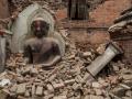 EARTHQUAKE IN NEPAL CROSS 4000 DEATH TOLL 2.jpeg