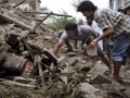 EARTHQUAKE IN NEPAL CROSS 4000 DEATH TOLL 3.png