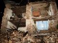 EARTHQUAKE IN NEPAL CROSS 4000 DEATH TOLL 4.jpg