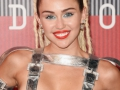 MILEY-CYRUS-RULE-MTV-VIDEO-MUSIC-AWARDS-PIC-004