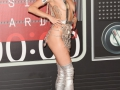 MILEY-CYRUS-RULE-MTV-VIDEO-MUSIC-AWARDS-PIC-009