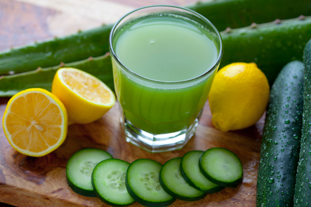 HOMEMADE REMEDIES FOR OILY SKIN - Cucumber and Lemon