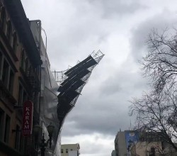 Scaffolding of a building falling off Portland Oregon1