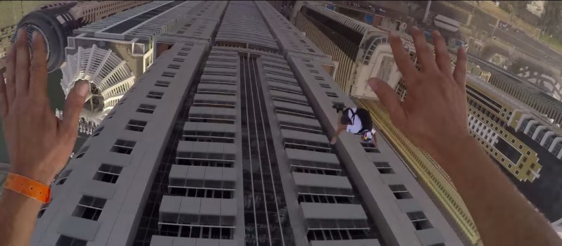Guys jumped From 2nd Tallest Building of Dubai 3