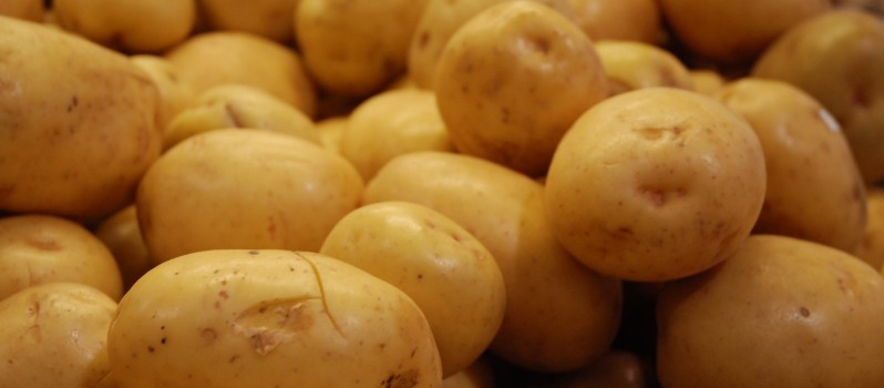 HOMEMADE REMEDIES FOR HAIR PROBLEM USING POTATO 1