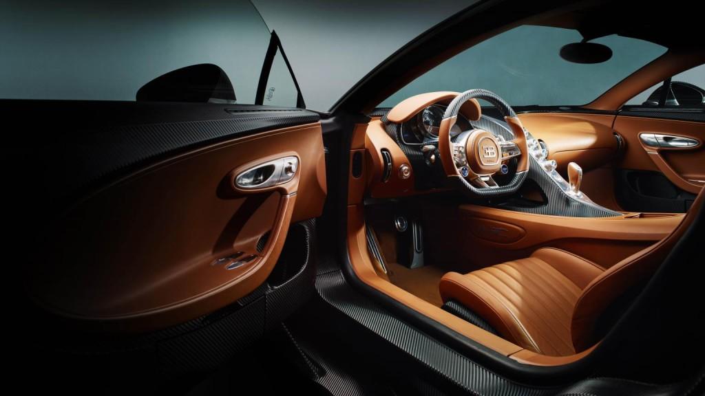Bugatti Chiron 4