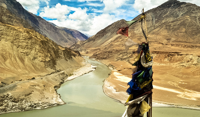 confluence-of-the-indus-and-zanskar-rivers