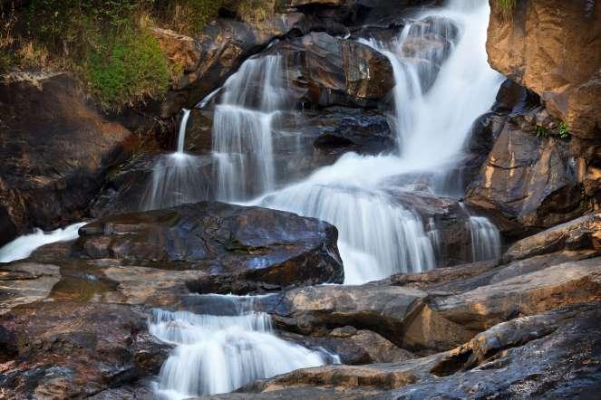 kerala-munnar-lakkam-waterfalls
