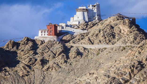 namgyal-tsemo-monastery