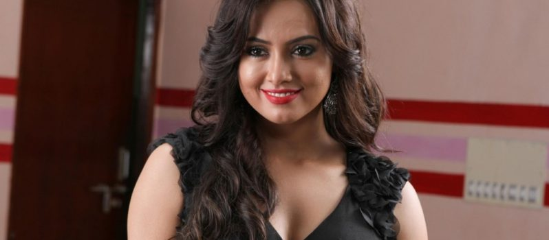 Indian Actress Sana Khan