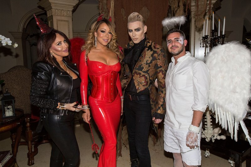 mariah-carey-looks-great-in-a-halloween-party-14