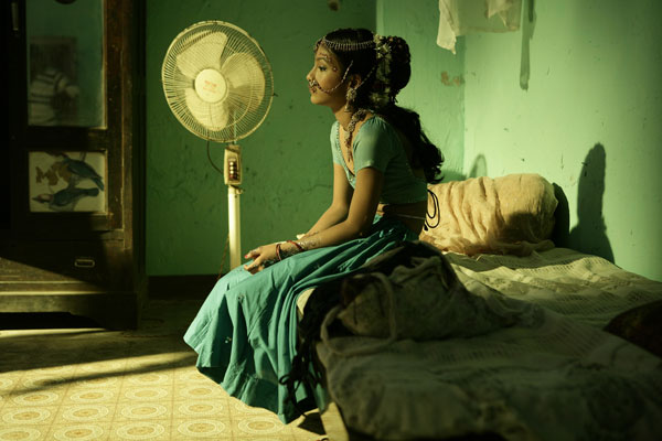 remember-little-latika-who-perform-on-ringa-ringa-song-from-slumdog-millionaire-this-is-how-she-looks-now-15