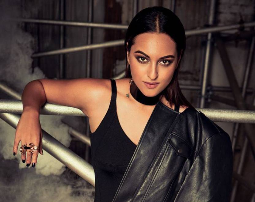 sonakshi-sinha-is-on-cosmopolitan-magazine-cover-page